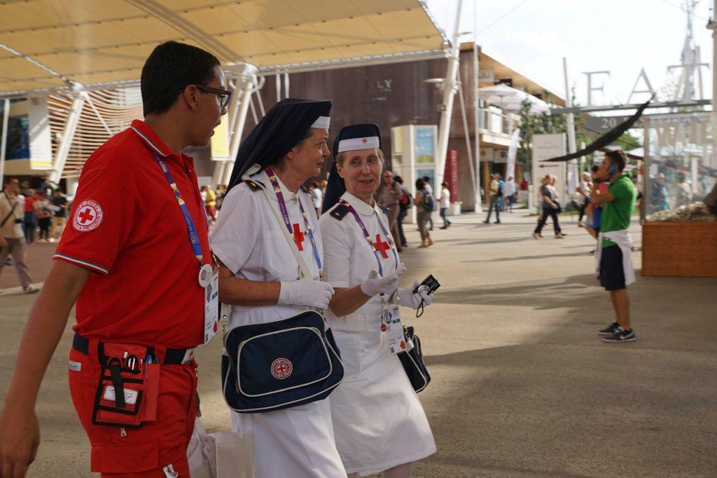 nurse-920318_1280